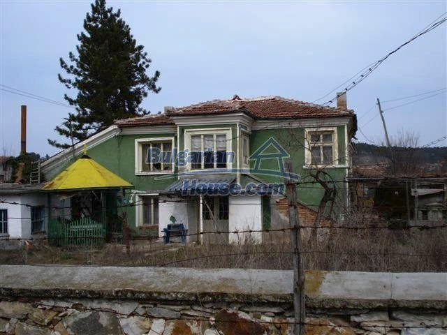 11486:1 - Very cheap rural house in good condition - Elhovo