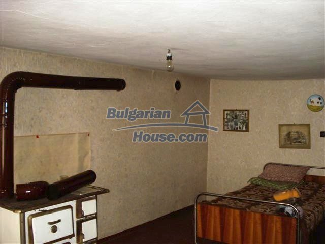 11486:3 - Very cheap rural house in good condition - Elhovo