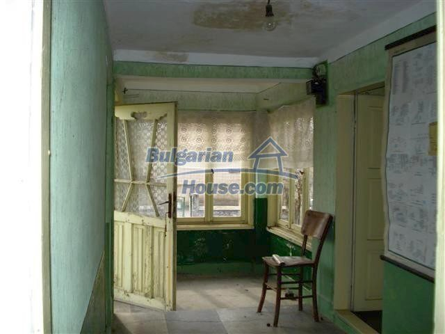 11486:12 - Very cheap rural house in good condition - Elhovo