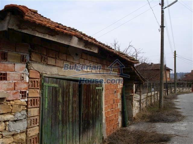 11486:13 - Very cheap rural house in good condition - Elhovo