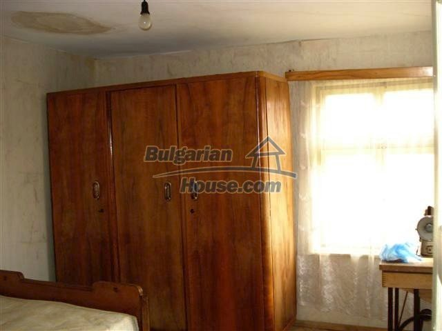 11486:10 - Very cheap rural house in good condition - Elhovo