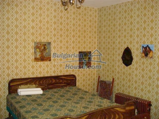 11497:10 - Cheap rural house with a large landscaped garden - Elhovo