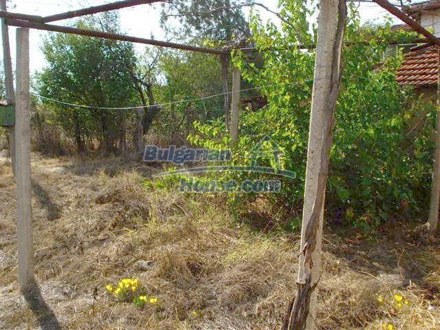 11497:14 - Cheap rural house with a large landscaped garden - Elhovo