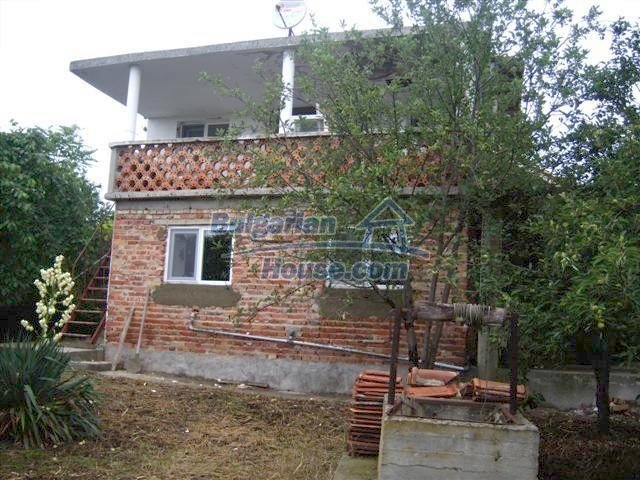 11507:1 - Cheap massive partly renovated rural house in Bourgas