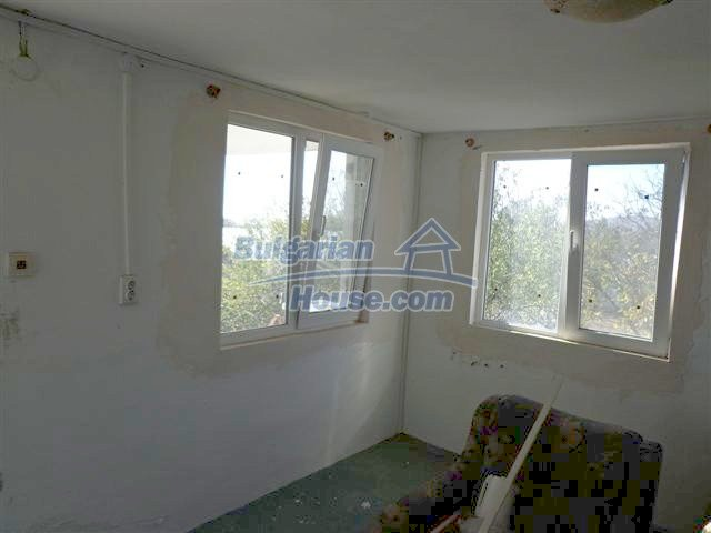 11507:11 - Cheap massive partly renovated rural house in Bourgas