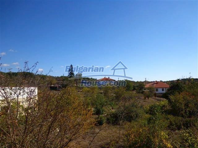 11507:15 - Cheap massive partly renovated rural house in Bourgas
