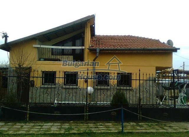 11509:1 - Large furnished seaside house in a developed village