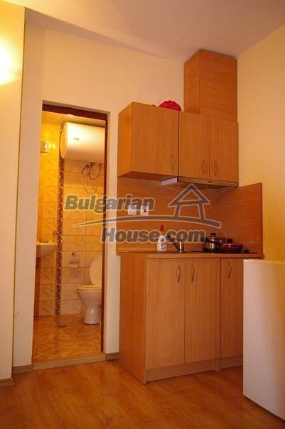 11511:12 - Sunny and attractive furnished studio apartment