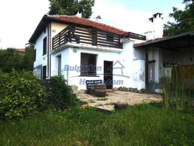 11520:1 - Pretty renovated house near Dryanovo splendid panoramic views