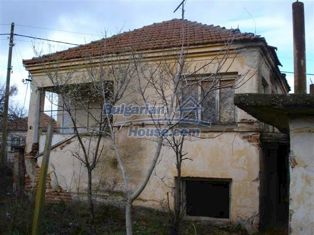 11521:2 - Low priced rural house with a vast garden near Elhovo