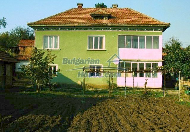 10099:32 - Two storey traditional house for sale in Bulgaria near Vratsa