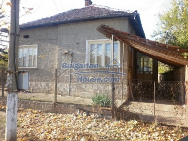 11538:1 - Cheap solid rural house 50 km away from Vratsa