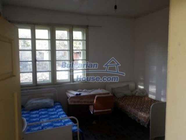 11538:10 - Cheap solid rural house 50 km away from Vratsa