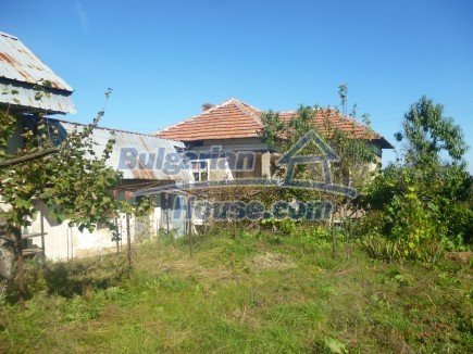 11540:2 - Two houses for the price of one, huge garden-4200sq.m in Vratsa
