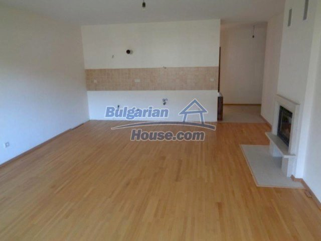 11557:10 - Large finished two-bedroom apartment in Bansko