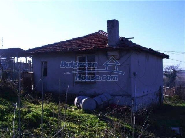 11566:3 - Charming rural house with a large garden near Kameno