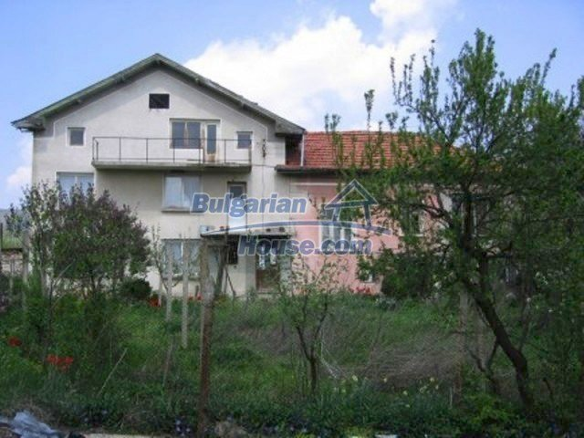 11571:2 - Cheap spacious country house 5 km from Vratsa