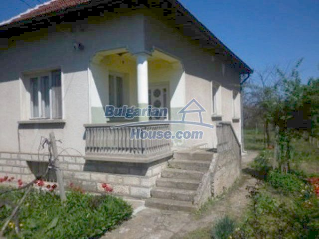 11572:3 - Large and sunny rural house with a lovely garden - Vratsa