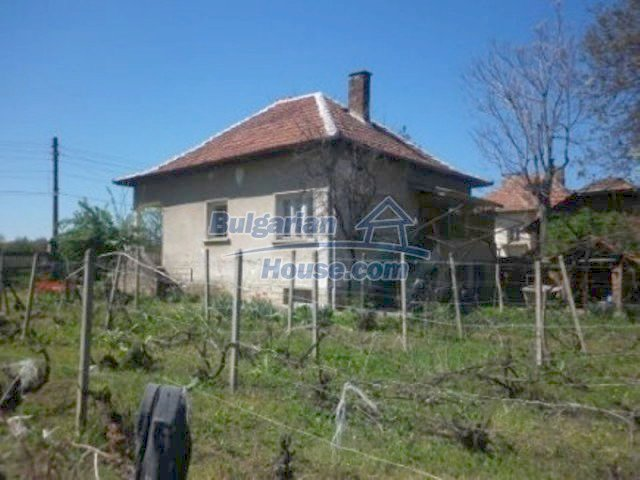 11572:6 - Large and sunny rural house with a lovely garden - Vratsa