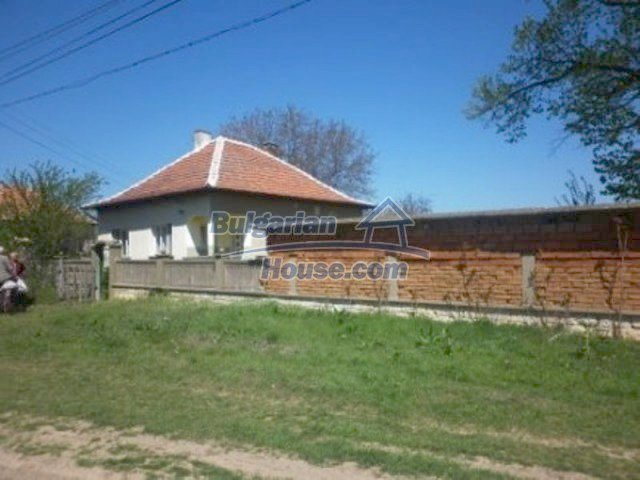11572:7 - Large and sunny rural house with a lovely garden - Vratsa