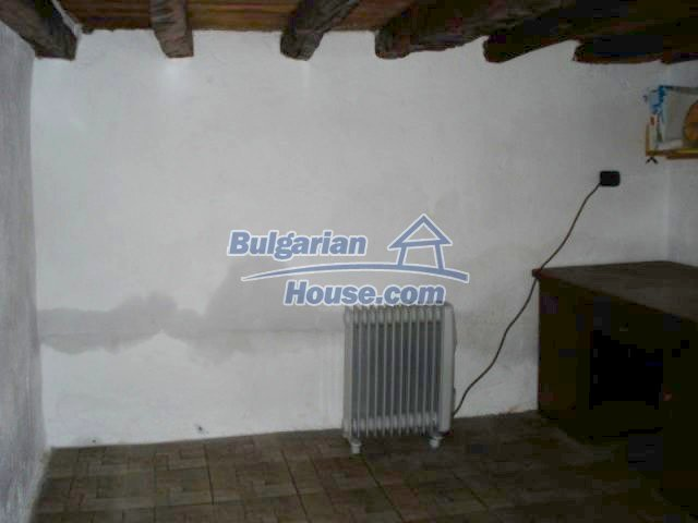 11574:13 - Cozy and well presented house with a garden near Topolovgrad