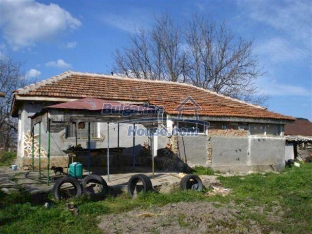 11575:1 - Nice and low priced rural house 3 km away from Elhovo