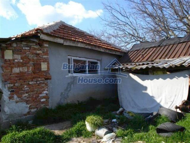 11575:4 - Nice and low priced rural house 3 km away from Elhovo
