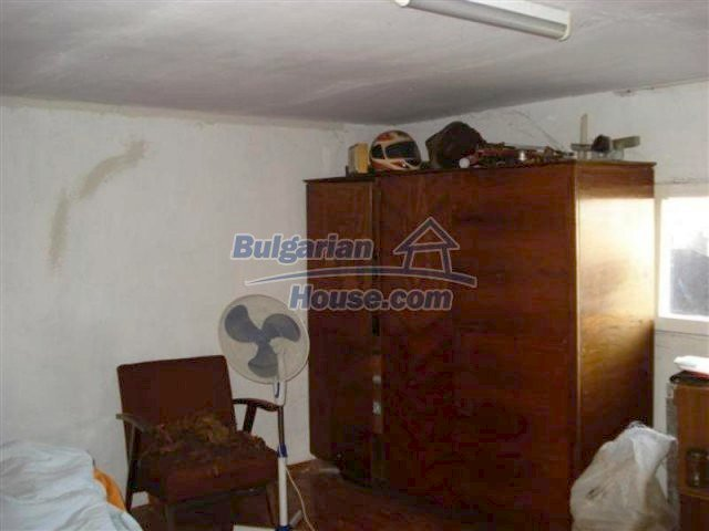 11575:6 - Nice and low priced rural house 3 km away from Elhovo