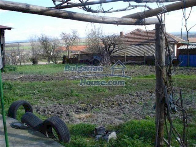 11575:12 - Nice and low priced rural house 3 km away from Elhovo