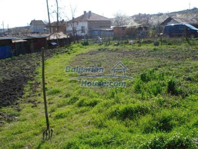 11575:9 - Nice and low priced rural house 3 km away from Elhovo