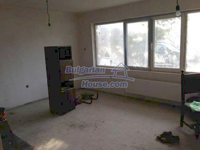 11577:15 - House in excellent condition 10 minutes drive from Burgas city