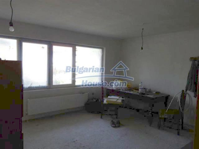 11577:16 - House in excellent condition 10 minutes drive from Burgas city