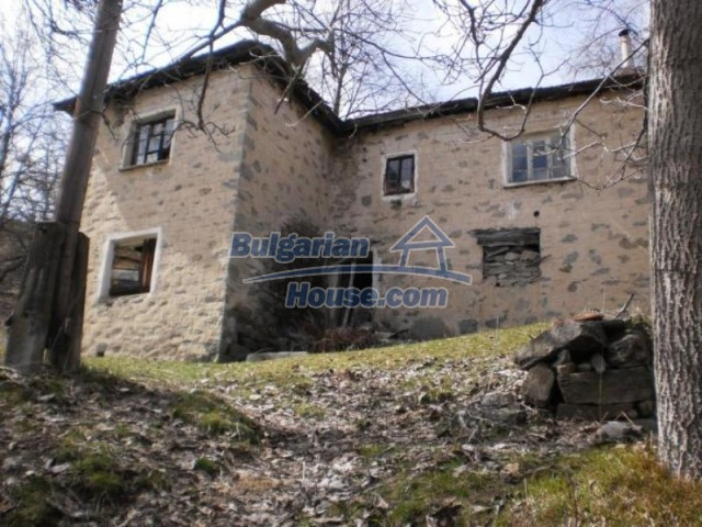11583:1 - Nice well kept house with a sunny garden near Kardzhali