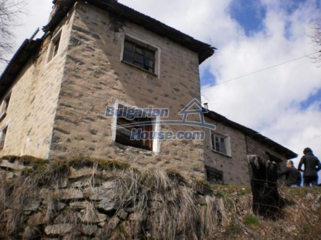 11583:3 - Nice well kept house with a sunny garden near Kardzhali