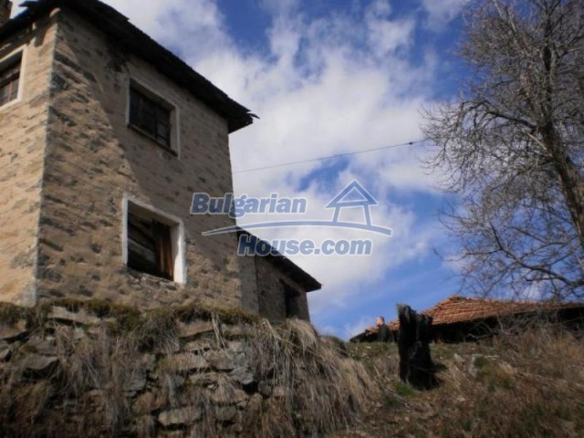 11583:5 - Nice well kept house with a sunny garden near Kardzhali
