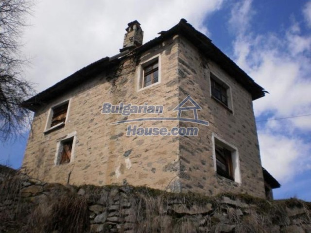 11583:6 - Nice well kept house with a sunny garden near Kardzhali