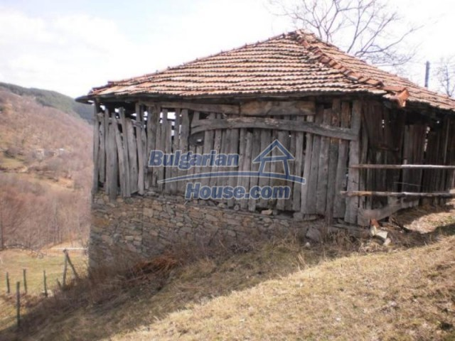 11583:13 - Nice well kept house with a sunny garden near Kardzhali