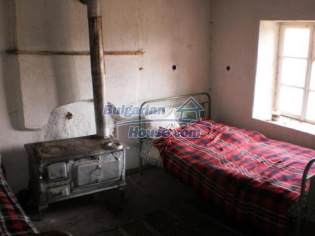 11583:14 - Nice well kept house with a sunny garden near Kardzhali