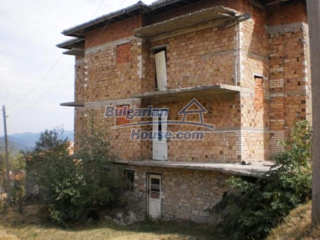 11584:1 - Spacious family house with a large garden near Pamporovo