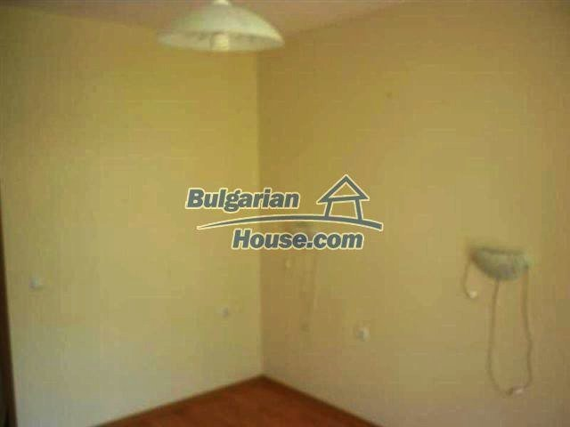 11591:4 - Well presented bargain studio apartment on the sea