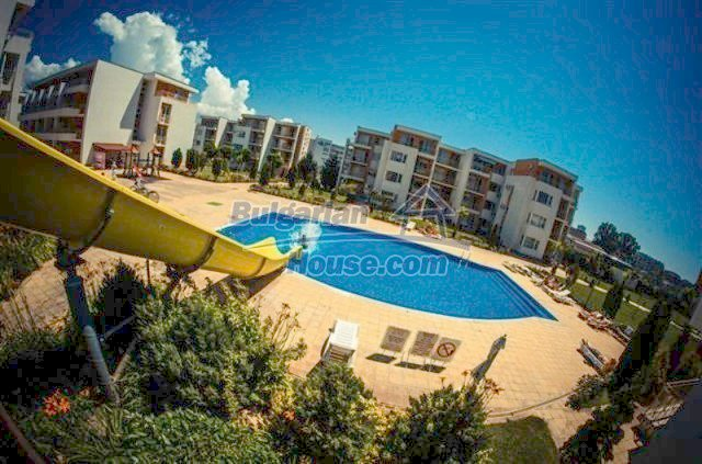 11591:12 - Well presented bargain studio apartment on the sea