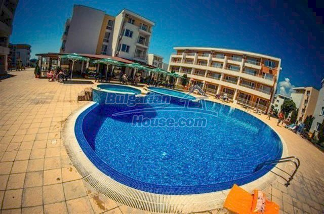 11591:13 - Well presented bargain studio apartment on the sea