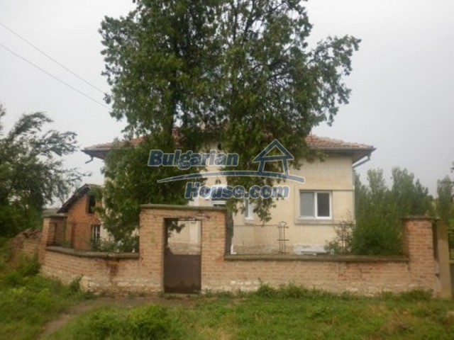 11592:3 - Renovated house near Vratsa and 20 km from the Danube River