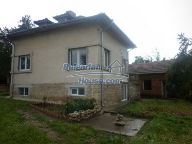 11592:6 - Renovated house near Vratsa and 20 km from the Danube River