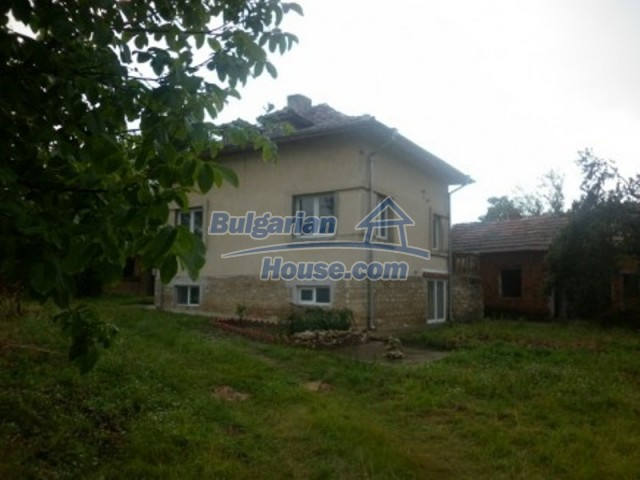 11592:7 - Renovated house near Vratsa and 20 km from the Danube River