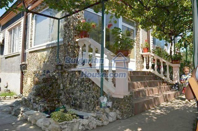 11606:1 - Beautiful furnished house with a sea view 10 km from Burgas