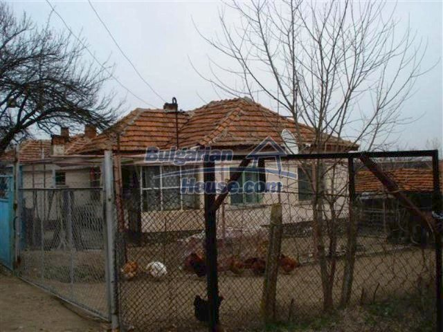 11607:2 - Cozy country house with a spacious garden near Elhovo