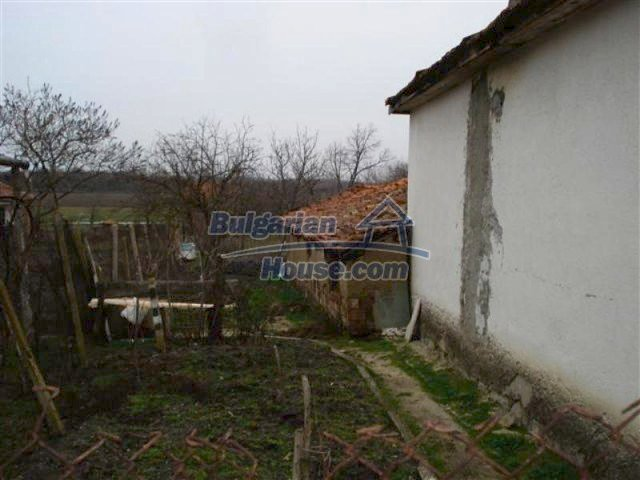 11607:14 - Cozy country house with a spacious garden near Elhovo
