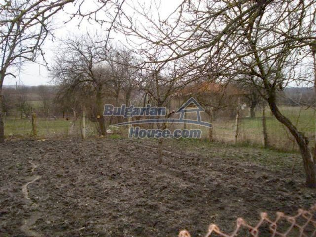 11607:16 - Cozy country house with a spacious garden near Elhovo