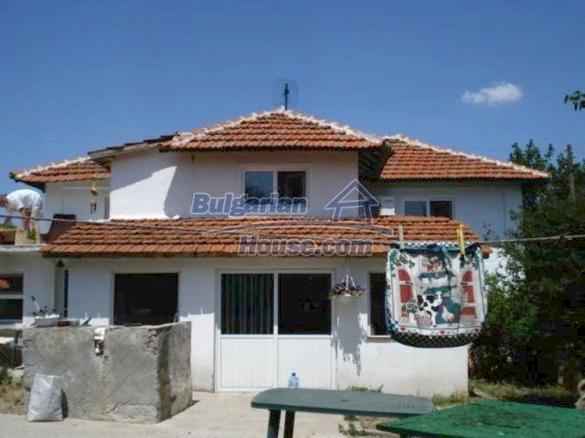 11611:1 - Beautiful renovated house at attractive price near Yambol